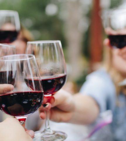 Действительно ли красное вино полезно для здоровья-430x480