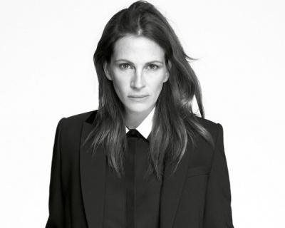 Не улыбайтесь, вас снимают: Джулия Робертс стала лицом Givenchy-430x480