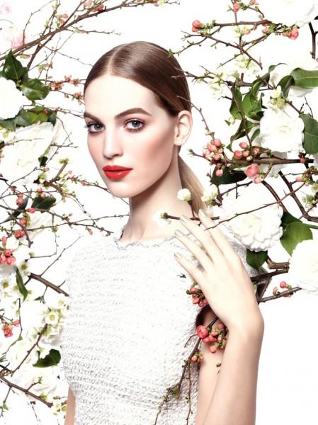 Сады Парижа: весенний макияж Chanel-320x180