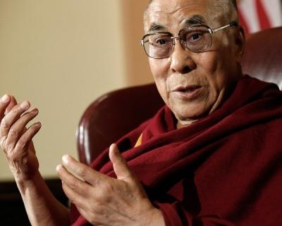Далай-лама выступит на фестивале Glastonbury-430x480