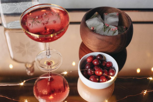 Гранатовый «Космополитен»: рецепт напитка-320x180