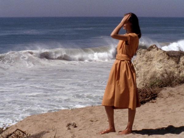 На берегу моря: новый видеоролик от Herm?s