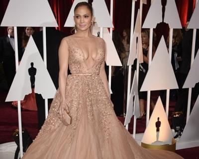 Oops: Дженнифер Лопес и Лусиана Педраса в одинаковых платьях-430x480