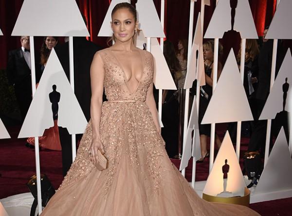 Oops: Дженнифер Лопес и Лусиана Педраса в одинаковых платьях-320x180
