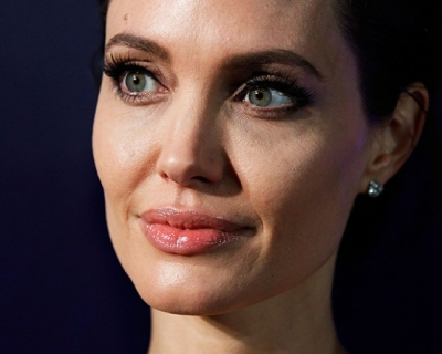 Анджелина Джоли: «У меня наступила менопауза»-430x480