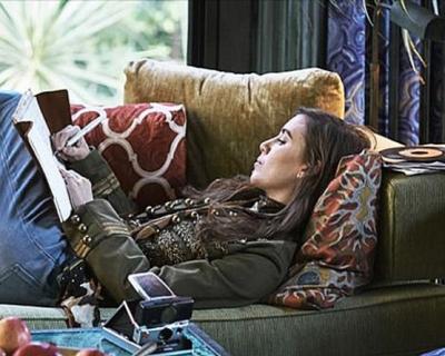 Дух 70-х: Lykke Li снялась в ролике Gucci-430x480