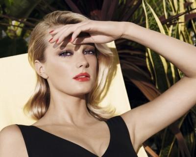 На берегу неба: летняя коллекция макияжа Chanel-430x480