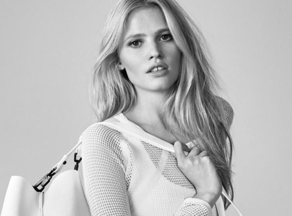 Лара Стоун в летнем кампейне Calvin Klein Jeans-320x180