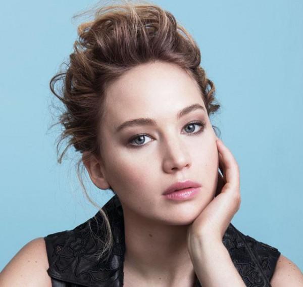 Дженнифер Лоуренс – лицо Dior Addict-320x180