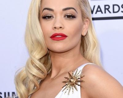 Billboard Music Awards: наряды с красной дорожки-430x480
