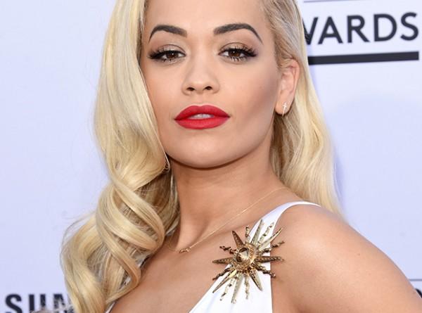 Billboard Music Awards: наряды с красной дорожки-320x180