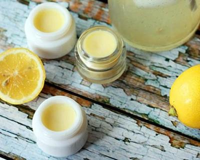 Лимонный бальзам для губ своими руками-430x480