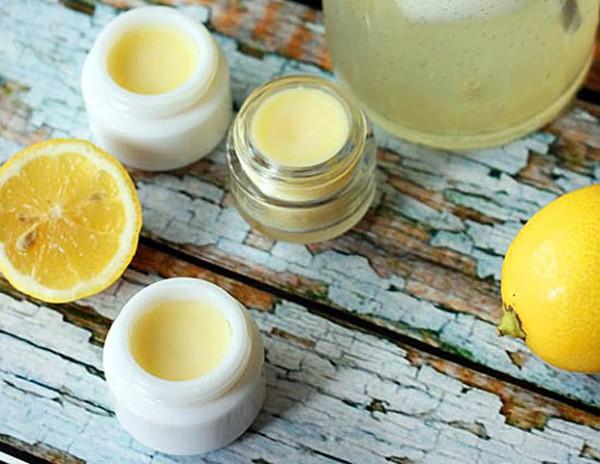 Лимонный бальзам для губ своими руками-320x180