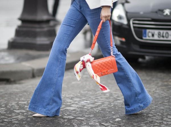 aea1a0f6c3c Если в далеком 2001 году вы отправили джинсы-клеш на свалку модной истории