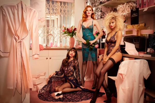 agent-provocateur-helmut-newton-fall-winter-2015-all-women-collection-01-960x640