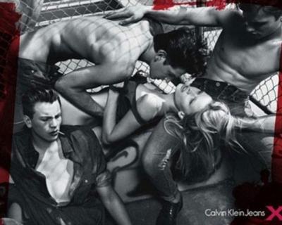 Не стыдно: самые скандальные рекламные кампании Calvin Klein-430x480