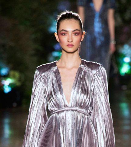 Cила света: выбираем блестящие наряды к новому году-430x480