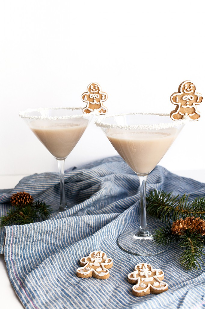Frosted-Gingerbread-Martini-3