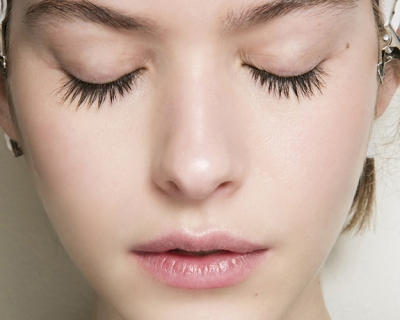 Как восстановить кожу после праздников: микротоковая терапия-430x480