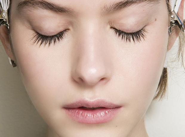 Как восстановить кожу после праздников: микротоковая терапия-320x180