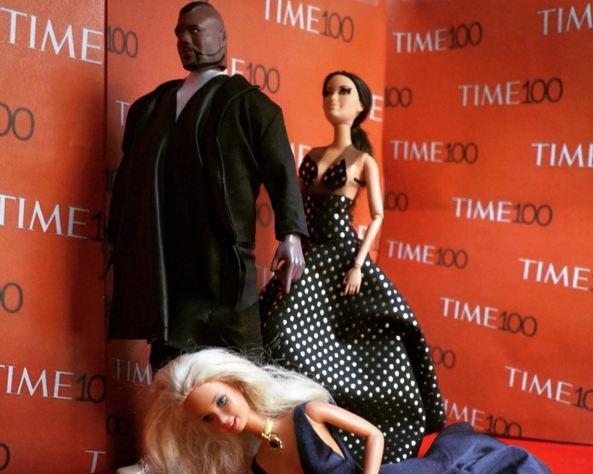 Самые громкие события 2015 года, воссозданные с помощью кукол Барби-320x180