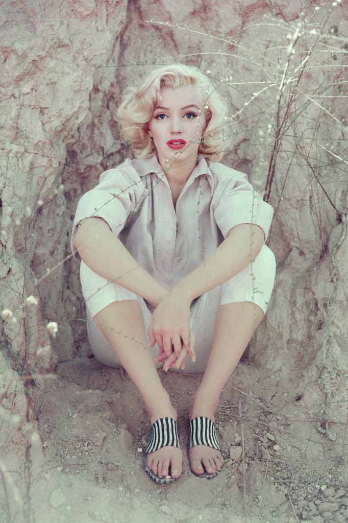 1453506773-1453502699-1453489773-1453414234-hbz-marilyn-the-rock-sitting-la-1953-milton-h-greene-archive-images