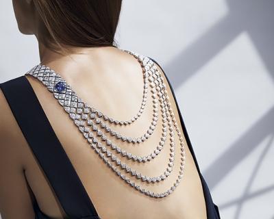 Высокое искусство: новая коллекция Signature de Chanel-430x480