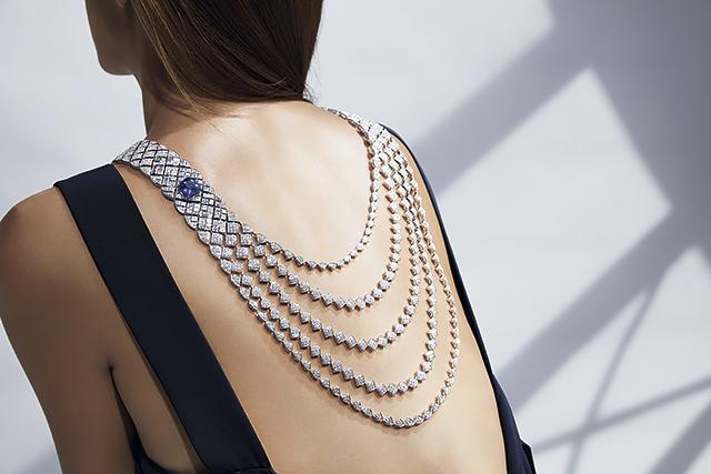 Высокое искусство: новая коллекция Signature de Chanel-320x180