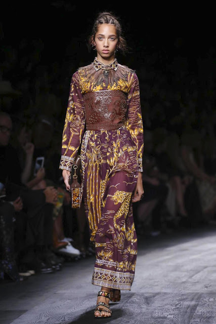 Valentino, Show Ready to Wear Collection Spring Summer 2016 in Paris