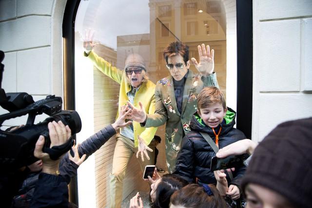 Бен Стиллер и Оуэн Уилсон появились в витрине бутика Valentino-320x180