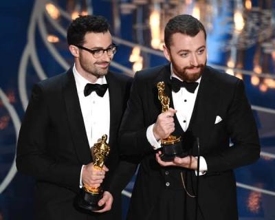Лучшей песней «Оскара» стала Writing's On The Wall Сэма Смита-430x480
