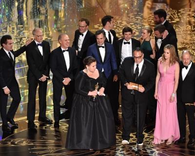 Главный «Оскар» достался киноленте «В центре внимания»-430x480