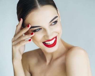 Beauty-процедура: моделирующий массаж лица от Academie-430x480