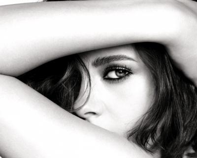 Кристен Стюарт — лицо нового makeup-кампейна Chanel-430x480