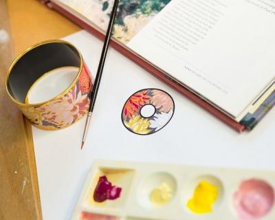 Краски в руки: новый арт-дизайн украшений FREYWILLE-430x480