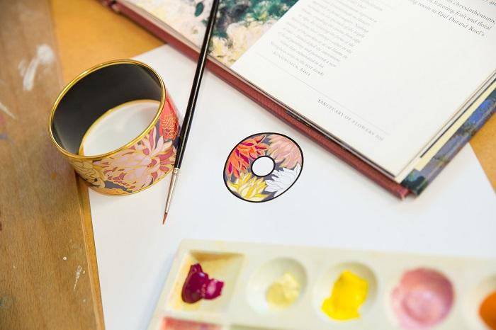 Краски в руки: новый арт-дизайн украшений FREYWILLE-320x180