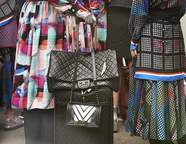 В дорогу с Chanel: новая коллекция дорожных сумок-320x180
