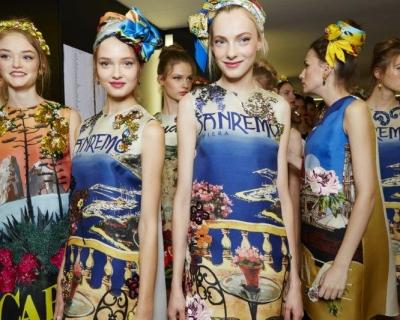 Бэкстейдж и селфи моделей с показа Dolce & Gabbana SS'2016-430x480
