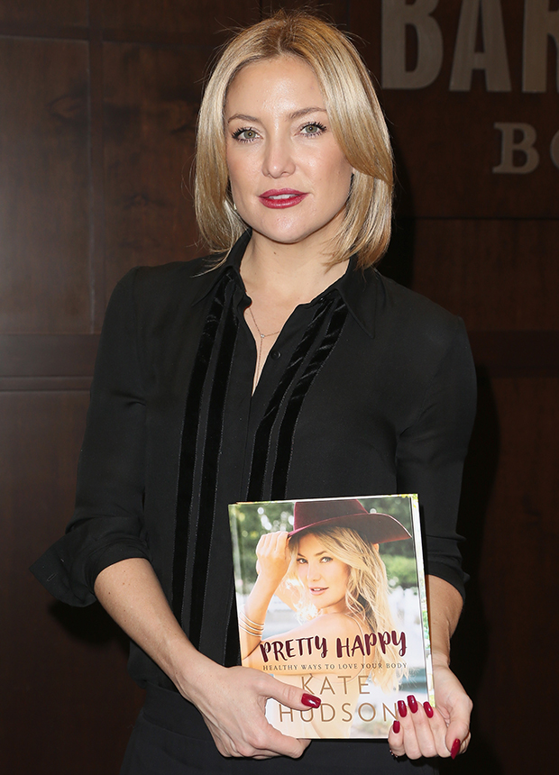 "Actress Kate Hudson Book Signing For ""Pretty Happy: Healthy Ways To Love Your Body"""