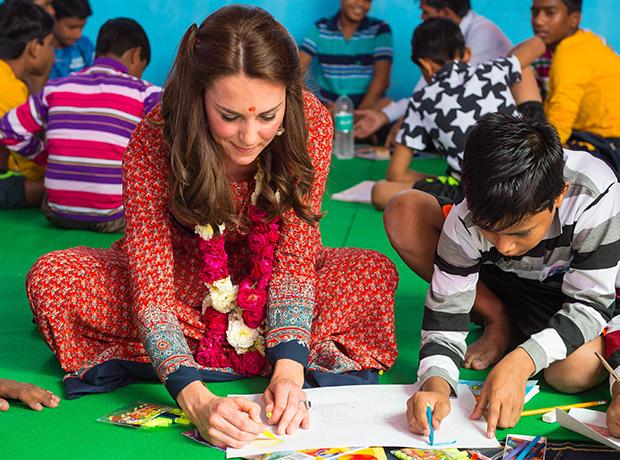 14 платьев Кейт Миддлтон из индийского турне-320x180