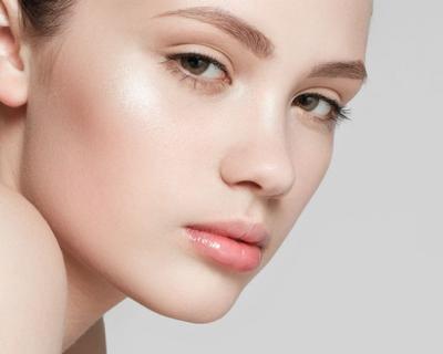Бэйкинг, контуринг, стробинг — все о популярных трендах в макияже-430x480