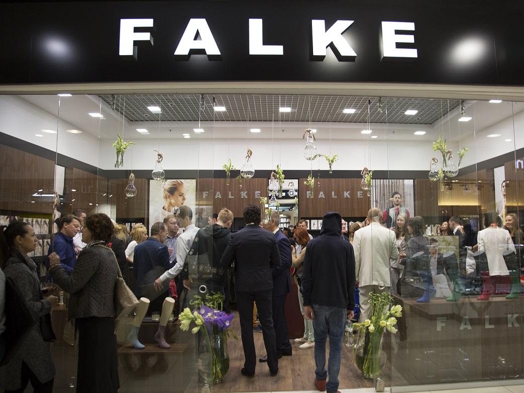 Открытие монобренда FALKE в Киеве-320x180