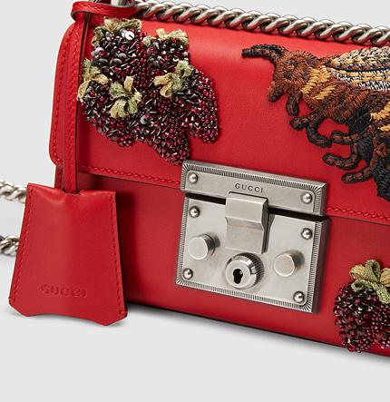 Вещь дня: сумка Gucci c клубничной аппликацией-320x180