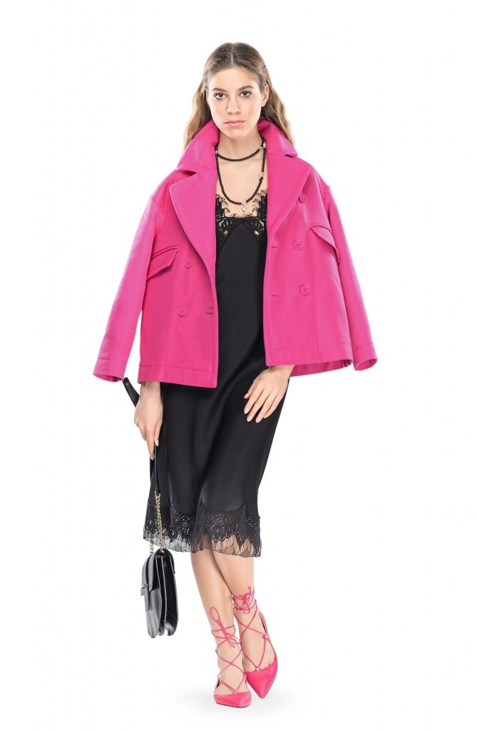 платье, POUSTOVIT жакет, туфли, все – PINKO; сумка, MARC CAIN; бусы, MARC AUREL