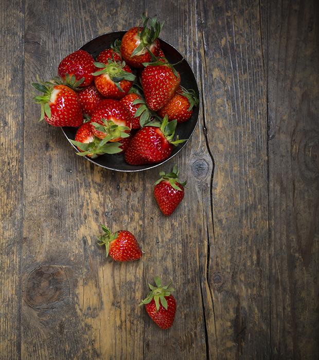 Клубничный смузи: 6 лучших рецептов