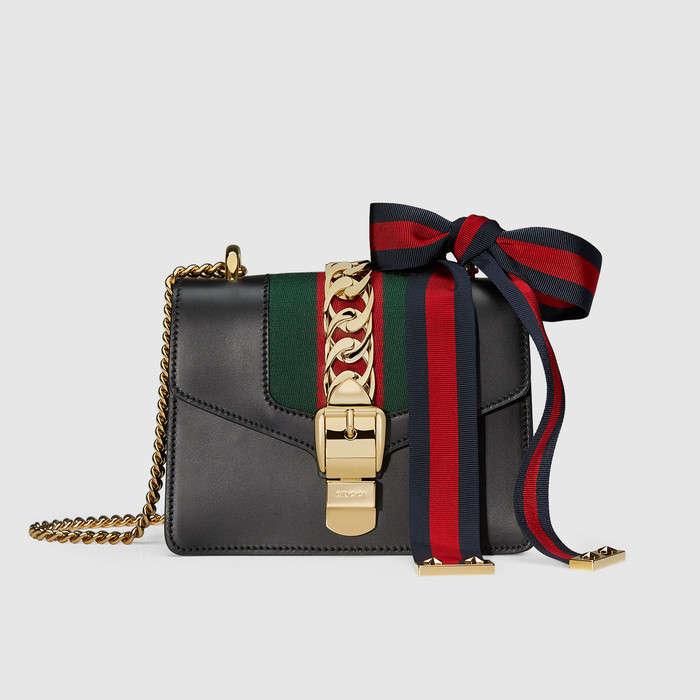 Три главных цвета: мини-сумки Gucci-320x180