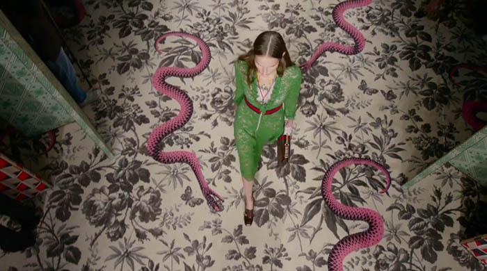 Стулья от Gucci: современный интерьер в духе антиквариата-320x180