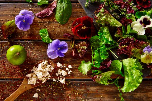 Flower Power: краткий гид по съедобным цветам-320x180
