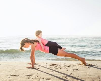 Как похудеть после родов: лучшие процедуры и бьюти-средства-430x480