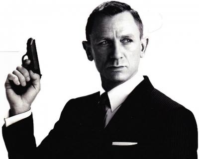 Многоликий агент: вспоминаем всех актеров, сыгравших Джеймса Бонда-430x480